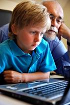 Kind vor PC_klein