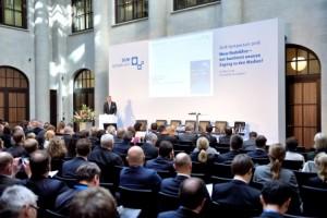 """DLM-Symposium 2016 """"Neue Nadelöhre - wer bestimmt unseren Zugang zu den Medien?"""""""
