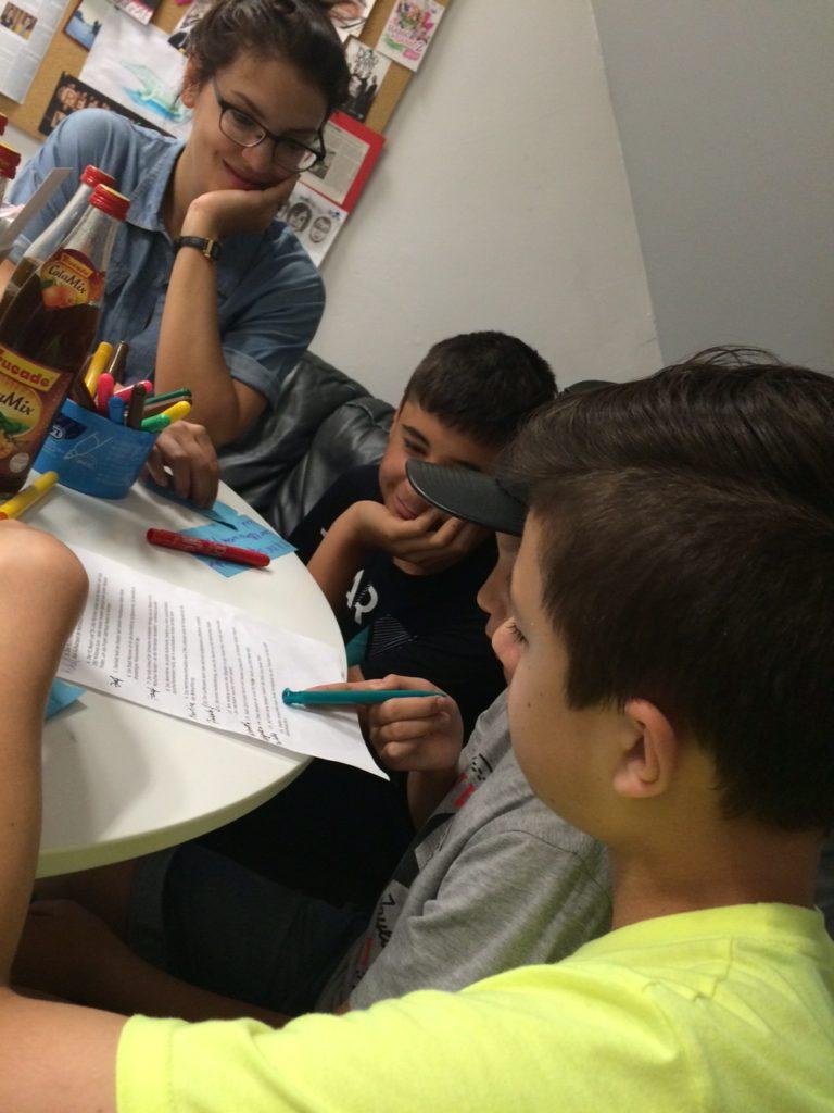 Schulradio mit Flüchtlingskindern